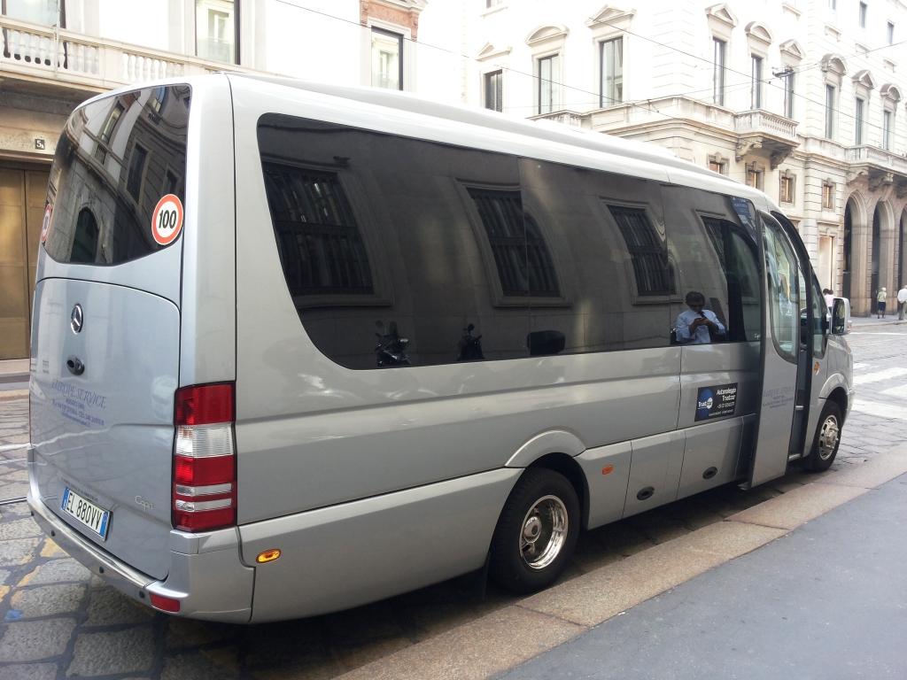Bernareggio - NCC Noleggio Minivan a Bernareggio